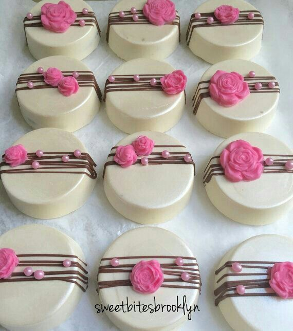 Baby shower cookies 51