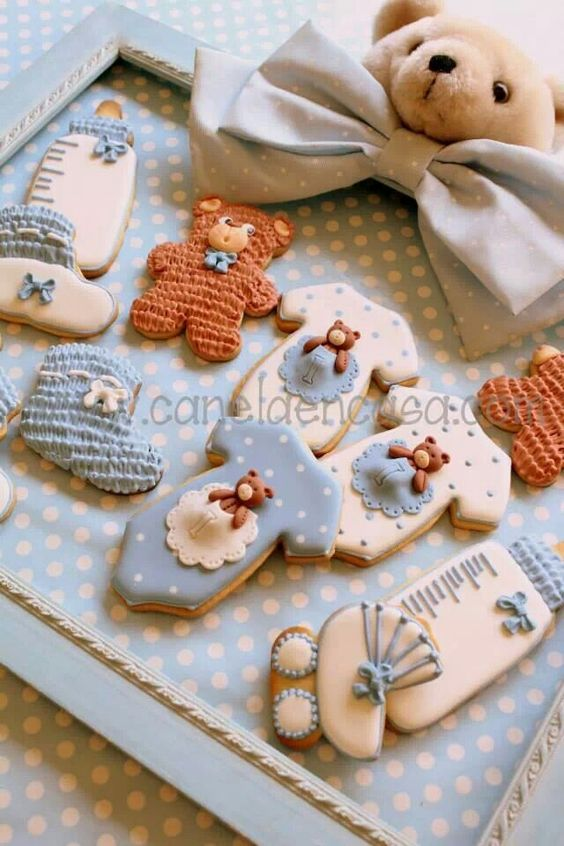 Baby shower cookies 57