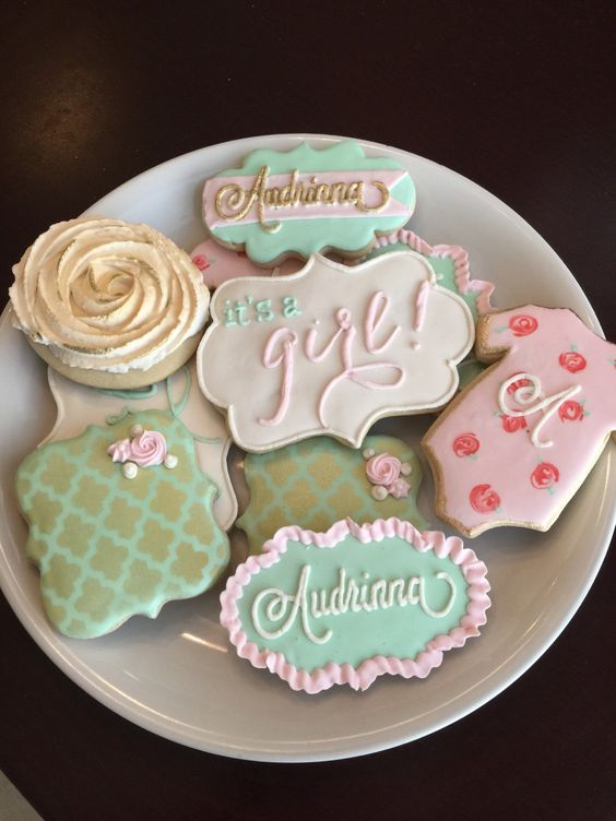 Baby shower cookies 76
