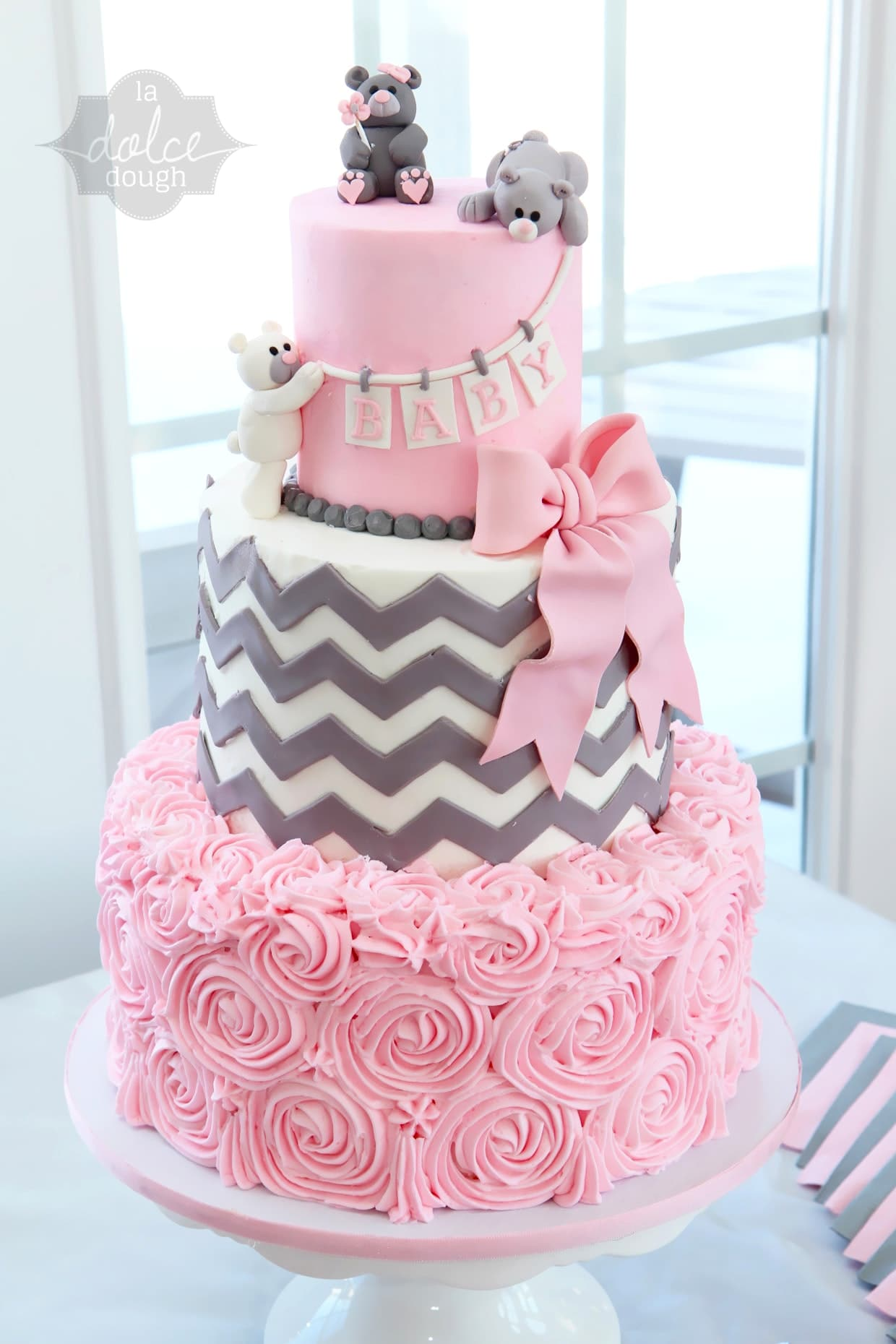 baby shower cakes 35
