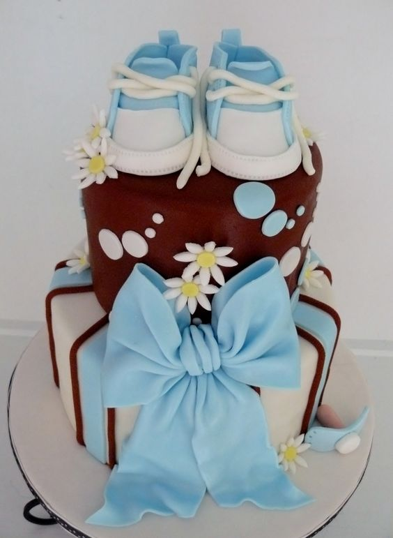 its a girl baby shower cake