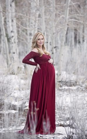 Maternity Photos. Lots of ideas with husband and single mom. Different themes include outdoor, fall, winter, summer, with toddler, and much more.