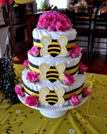 Bee diaper cake - diaper cake ideas