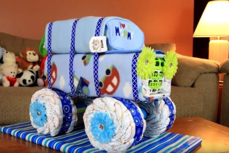 how to make a jeep diaper cake