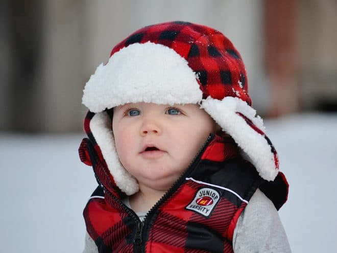 Real moms advice and helpful tips on how to take care of your winter baby. Click to find a checklist of must haves - how to dress your newborn, what kind of gear, outfits and necessities you need. Also, how to prepare your home. Pin it. #winterbaby