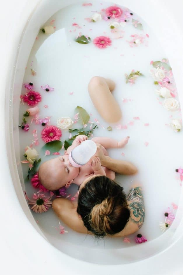Milk bath photography ideas. Click to see lots of great DIY ideas for your photoshoot, including for maternity, baby, kids, face only, boudoir, with flowers, outdoor and more. Also see pro tips on how you can do it yourself. #milkbath