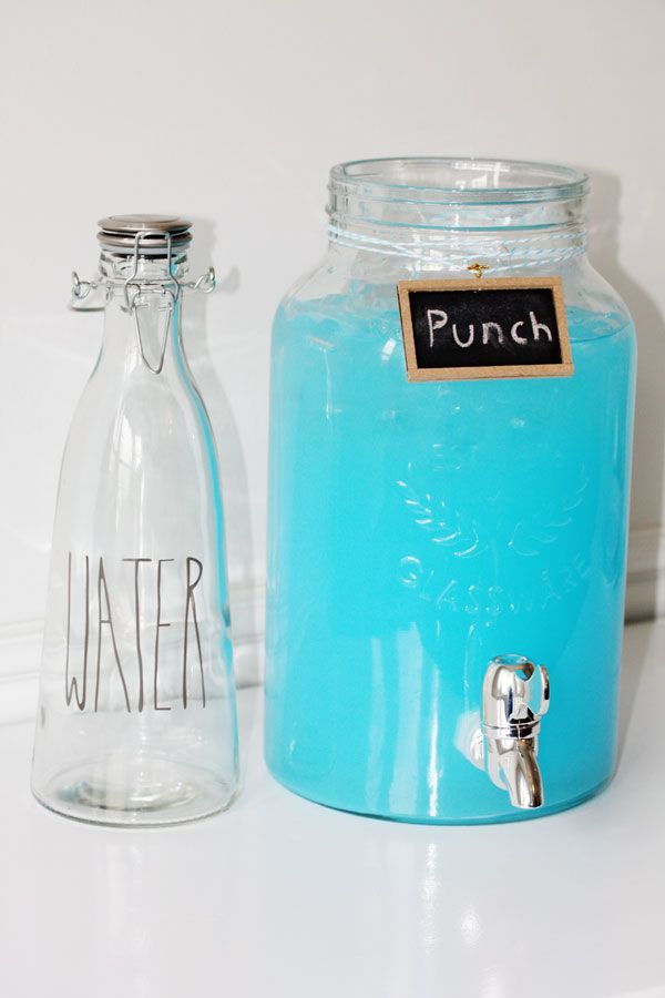 Blue punch recipes are easy, delicious and colorful. They're a great drink! Prepare them for birthday party or for baby shower celebrations. You can make them nonalcoholic for kids, with ice cream, with sherbet, and with alcohol too. Hawaiian also included. #bluepunch #refreshments