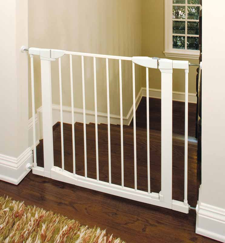 Auto close gate baby proofing