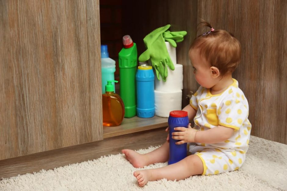 how to get your house in order for baby - toxic cleaning materials