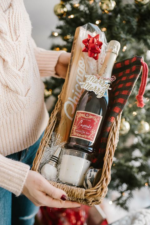 Christmas wine gifts for friends