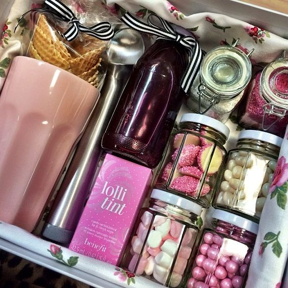 christmas gift baskets for moms
