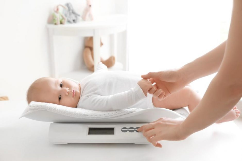when to move up a size in diapers baby weight