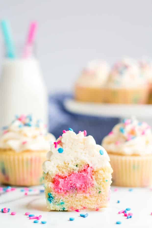 Gender Reveal Cupcakes | Click to see tons of really great pink and blue cupcake ideas to inspire you, plus easy DIY instructions on how to make your own homemade recipe. Pin it. #genderreveal #babyshower #toppers #Simple