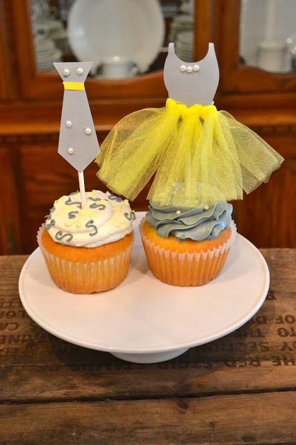 Gender Reveal Ideas | What will it bee? Burnouts or bows? Boots or bows? Touchdowns or tutus? Click to see all kinds of fun baby shower themes to choose from. Pin it. #genderreveal #babyshower #DIY #Simple